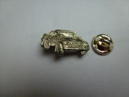 Beau Pin´s En Relief , Auto Lancia ?? Rallye - Non Classés