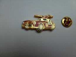 Arthus Bertrand  , Auto Mercédés , Rouge , Intérieur Noir - Arthus Bertrand