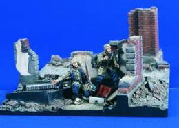 - VERLINDEN - Figurines Fallschirmjager Assault - 1/35°- Réf 1766 - Figurines
