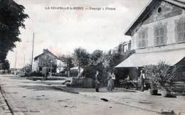 Cpa(77) La Chapelle La Reine Passage A Niveau (chalet De La Gare Hotel Restaurant E Noel Tres Animee - La Chapelle La Reine