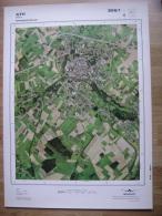 GRAND PHOTO VUE AERIENNE 66 Cm X 48 Cm De 1979 ATH ATH - Topographische Karten