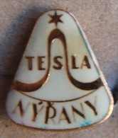 Nikola TESLA Company Czechoslovakia Electronic Industry Nyrany Pin Badge - Markennamen