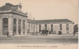 """CPA Animée Début 1900. CHALONS Sur SAONNE """"Saône Et Loire 71"""" La Gare Et Ses Attelages - Chalon Sur Saone"""