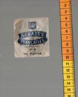 SOCIETE DES AGRAFES FRANCAISES PARIS G.J.F.  12 paires d'agrafes blanches n� 4 sous �tui cristal