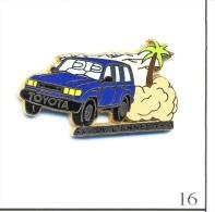 Pin´s - Automobile - Toyota / Elu 4 X 4 De L´Année 1991 - Version Bleue. Est. Arthus Bertrand. Zamac. T418-16. - Toyota