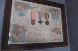 Cadre Avec Medailles 14/18 Avec 3 Medailles - France