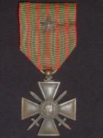 Croix De Guerre 1914-1916 En Bronze Et En Boite. - Francia