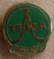 Nikola TESLA Company Czechoslovakia Electronic Industry Pardubice Pins Badges - Markennamen
