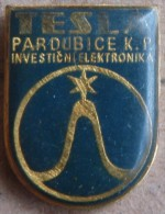 Nikola TESLA Company Czechoslovakia Electronic Industry Pardubice Pin Badge - Markennamen