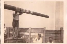 PHOTO ORIGINALE 39 / 45 WW2 WEHRMACHT FRANCE CALAIS SOLDATS ALLEMAND AU POSTE FLAK PEINTURE - Guerre, Militaire