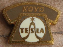 Nikola TESLA Company Czechoslovakia Electronic Industry Kovo Pin Badge - Marcas Registradas