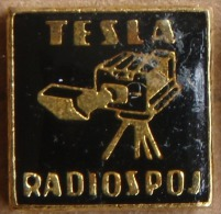 Nikola TESLA Company Czechoslovakia Electronic Industry Radiospoj Pin Badge - Marques
