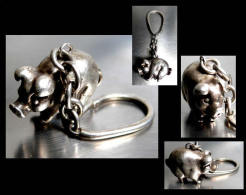Ancien Porte-clefs Hongrois En Argent Massif/ Old Silver Keys-holder Featuring A Ping From Hungarian Empire - Pigs