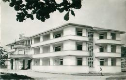 Cpsm BRAZZAVILLE - Le Grand Hôtel - ( La Primature, Avenue Paul Doumer ) - Brazzaville