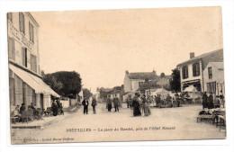 Loire Atlantique : Préfailles : Place Du Marché - Préfailles