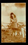 Chien  Hond  Femme  Vrouw - Honden