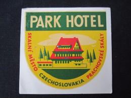HOTEL CAMPING MOTEL INN PARK SKALNI MESTO CSSR CZECH CHEKOSLOVAKIA LUGGAGE LABEL ETIQUETTE AUFKLEBER DECAL STICKER