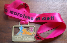 ITALIA 2013-  MEDAGLIA IN BRONZO DELLA RIETI HALF MARATHON - Atletica