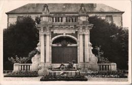 AURAY LE MONUMENT AUX MORTS - Auray