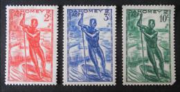 PIROGUE 1941 - NEUFS ** - YT120/21 + 123 - MI 125/26 + 128 - Neufs