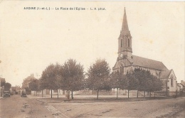 Avoine (Ile-et-Vilaine) - La Place Et L'Eglise - L.V. Phot. - Phototypie Maurice Chrétien - Autres Communes