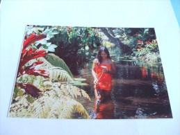 Femme Et Fleur Font Partie Du Mythe De La Tahitienne Tahiti Photo Adolphe SYLVAIN - Tahiti
