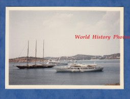 Photo ancienne - Baie de CORINTHES / CORINTH Bay - Bateau Voilier en Rade - 1967 - Peloponnese Gr�ce Greece Ship Boat