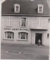 PHGOTO   AUNAY-SUR-ODON    RECONSTRUCTION     HOTEL ST MICHEL     Format 12,5 X 17,7 Cm - Luoghi