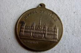 1882 Inauguration Hotel De Ville De Paris - Professionnels / De Société