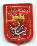 ECUSSON BRODE SOUVENIR DE VILLE : E80 DRAGUIGNAN - Scudetti In Tela