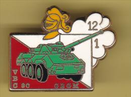 48601-Pin's.militaire.armée.VBC 90.GBGM.Tank.signé Boussemart. - Militaria