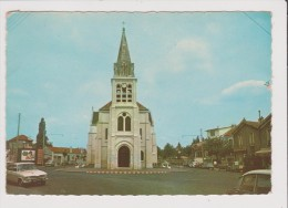 CPSM Grand Format - NEUILLY PLAISANCE - L'Eglise - Vieille Voiture Ancienne Renault R 16 - Neuilly Plaisance