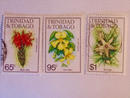 TRINIDAD & TOBAGO   1983   LOT # 3  FLOWERS - Trinité & Tobago (1962-...)
