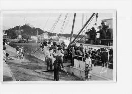 PORQUEROLLES : Le Port, Descente De Bateau. 2 Scans. Edition Yvon Format CPA - Porquerolles