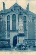 Dép 85 - Challans - Le Monument Aux Morts - 2 Scans - état - Challans