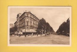 * CPSM..dépt 92..BOULOGNE  BILLANCOURT  :   La Place Marcel Sembat   : Voir Les  2 Scans - Boulogne Billancourt