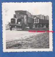 Photo Ancienne Snapshot - Accident D'un Camion SAURER Chargeant Des Planches De Bois - Wood Truck - Automobile