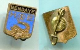 M131  INSIGNE De VILLE : HENDAYE AUGIS - Insigne & Ordelinten