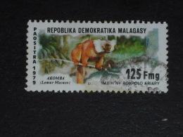 MADAGASCAR YT 628 OBLITERE - LEMURIEN LEMUR MACACO