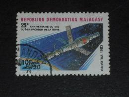 MADAGASCAR YT 671 OBLITERE - SALIOUT SOYOUZ