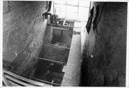 SCHELLEBELLE - Wichelen (O.Vl.) - Molen/moulin - Echte Foto 9x14,5 Cm Van De Watermolen (interieur Met Turbine) Ca. 1977 - Luoghi