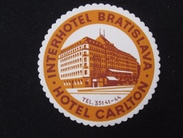 HOTEL CAMPING MOTEL CARLTON BRATISLAVA CSSR CSR SLOVAKIA JUGOSLAVIA LUGGAGE LABEL ETIQUETTE AUFKLEBER DECAL STICKER - Hotel Labels