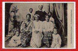 ASIE  - BIRMANIE - Une Famuille Chrétienne Birmane - Myanmar (Burma)