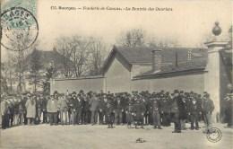 BOURGES FONDERIE DE CANONS RENTREE DES OUVRIERS 18 - Bourges