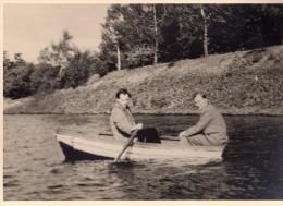 Photo Originale Navire - Humour - 2 Hommes Dans Une Barque Ridicule - - Schiffe