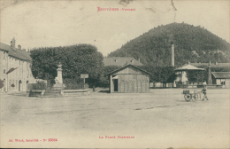 88 BRUYERES /la Place Stanislas / - Bruyeres