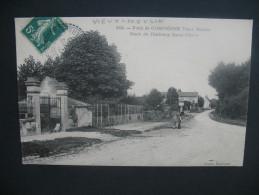 """CPA   Forêt De Compiégne """"  Vieux Moulin  Route Du Faubourg St-Pierre   """"   Voyagé - Compiegne"""