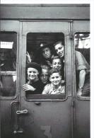 Scouts En Partance Pour Aurillac à La Gare D'Austerlitz  - Scoutisme Train - Cpm Vie Du Rail - 10/15 Fénino Photo Rail - Scoutismo