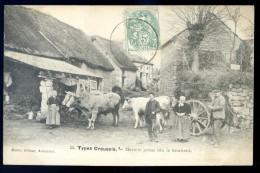 Cpa Du 23 No 53 Types Creusois -- Mariete Prens Bin Le Tournent  -- Attelage De Boeufs  Avec Du Foin  FEV16 16 - Aubusson