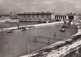 CPA - Bollene - Le Barrage écluse Sur Le Canal De Donzère Mondragon Et L'usine Blondel - Bollene